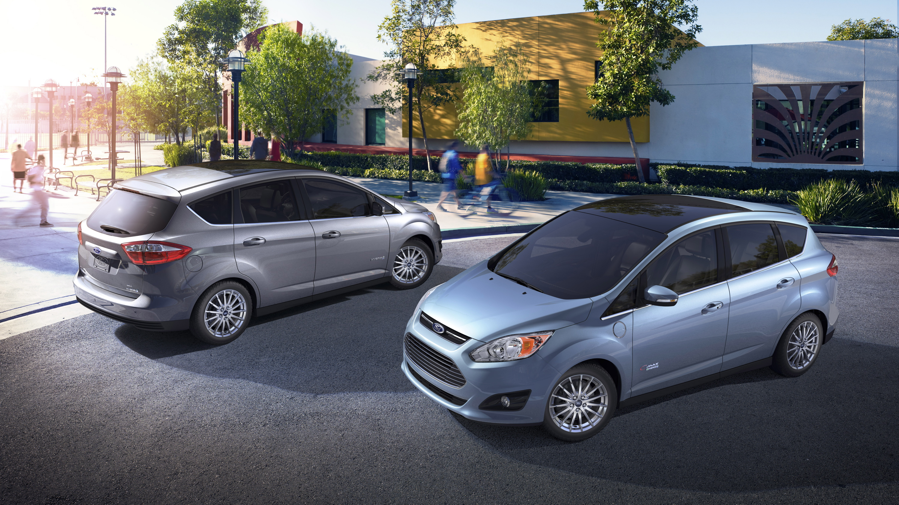 Ford calls out petitors to Focus Electric and C Max hybrids GM