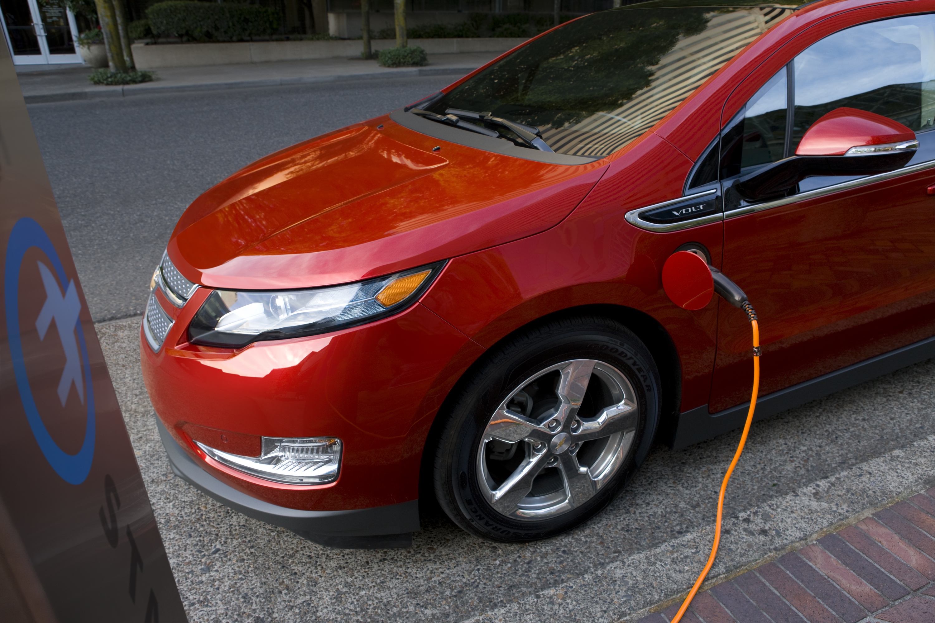 Feds Launch Probe Into Volt Battery Fires Gm Chevy Electric Since
