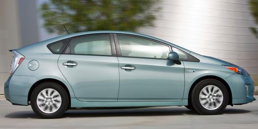 2012_Toyota_Prius_Plugin_004