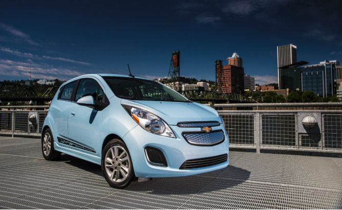 2014-Chevrolet-SparkEV-0