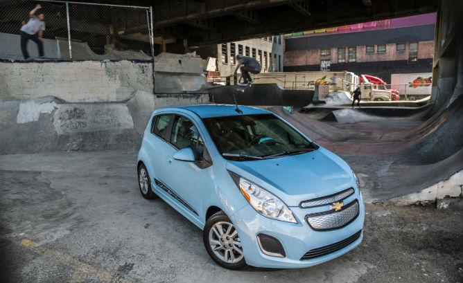 2014-Chevrolet-SparkEV-058-medium