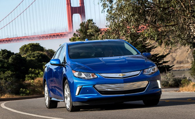 New Volt Ads Attack Leaf and Prius