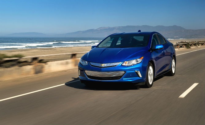 Chevy Dealer Says Sales Charged by Volts