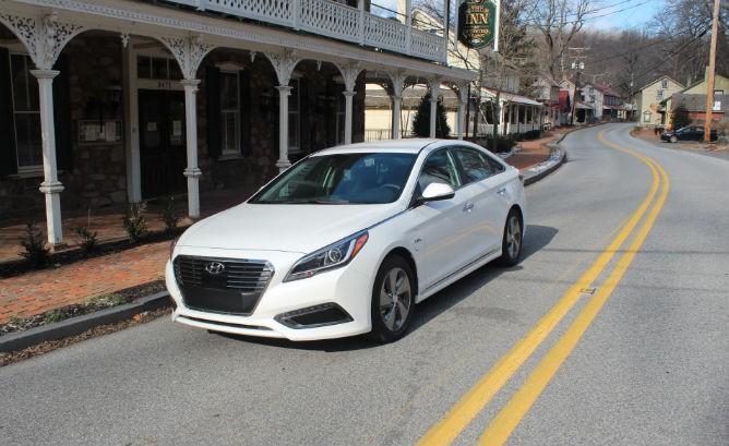 2016 Hyundai Sonata Plug-in Hybrid Review – V…