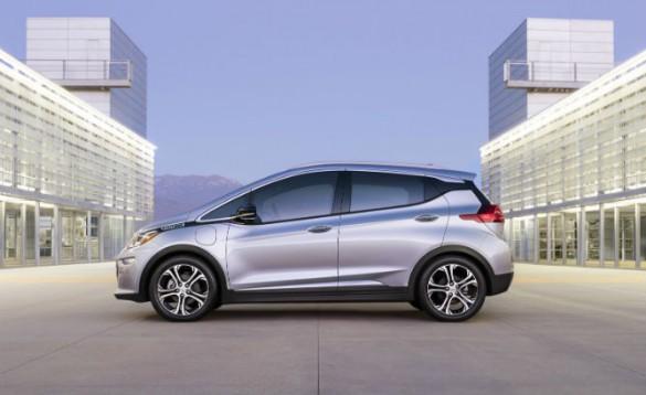 Five Promised 200-Mile Range EVs That Won't B…