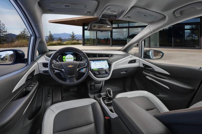2017-Chevrolet-BoltEV-006-668x445