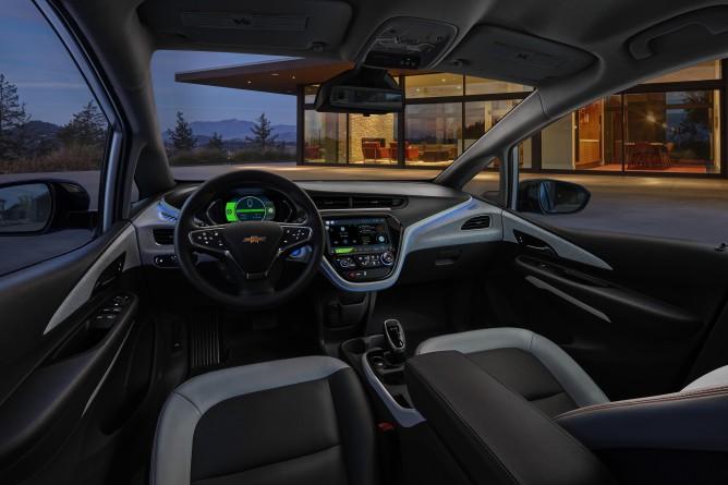 2017-Chevrolet-BoltEV-007-668x445