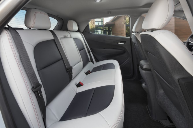 2017-Chevrolet-BoltEV-010-668x445