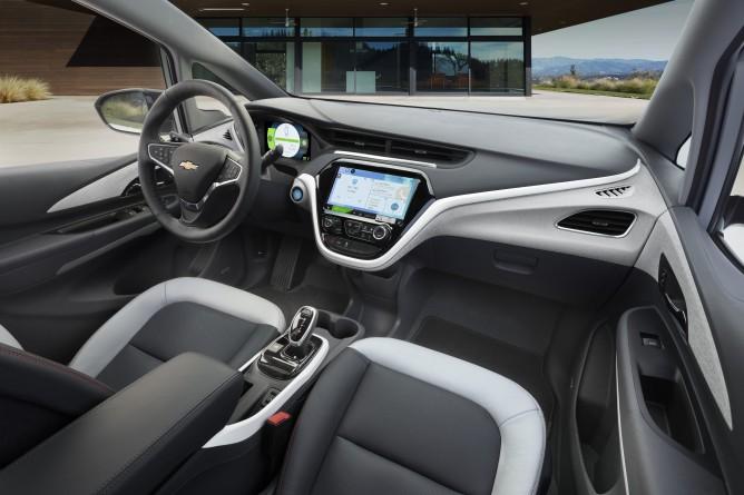 2017-Chevrolet-BoltEV-018-668x445