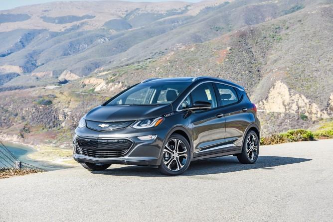 2017-Chevrolet-BoltEV-029-668x446