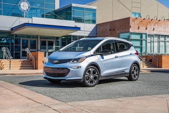 2017-Chevrolet-BoltEV-042-e1478055008955