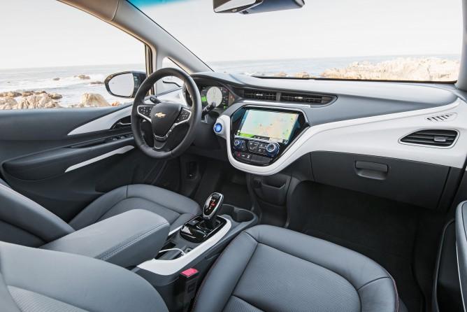 2017-Chevrolet-BoltEV-045-668x446