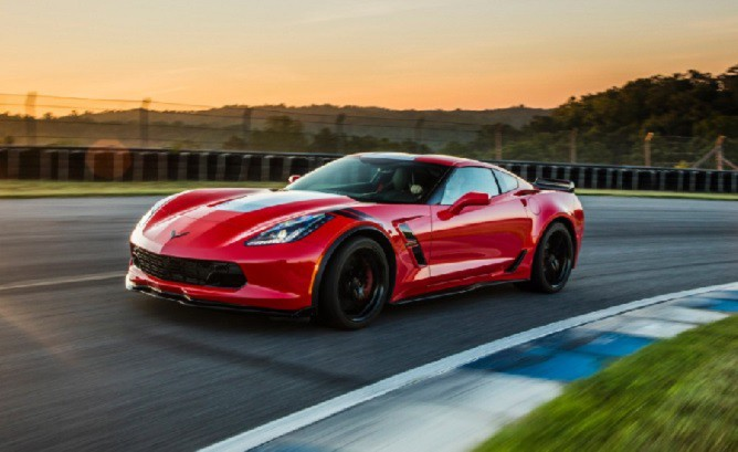2017-Chevrolet-Corvette-Grand-Sport-668x409