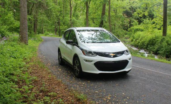 Chevrolet Bolt Earns IIHS Top Safety Pick Awa…