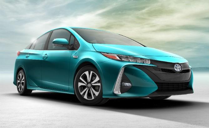 2017_Toyota_Prius_Prime_0111-668x409