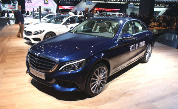 Pressed like other Europeans to meet tightening regulations while still needing to satisfy customer requirements for luxury and power, Mercedes-Benz last year announced it would have 10 plug-in electrified car by 2017.