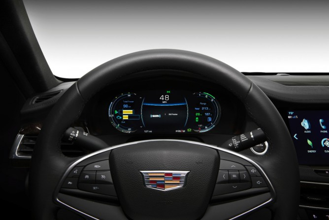 cadillac_c76_plug-in-front_steering-wheel-668x446