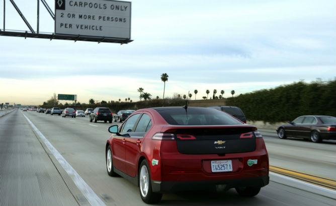 Chevrolet Volt Hov Lane