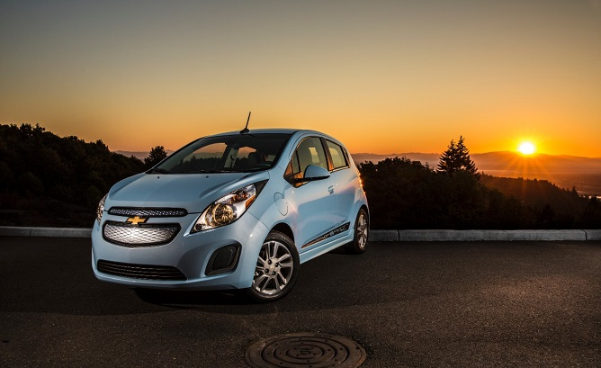 Chevrolet cuts price, spices up the 2015 Spar…