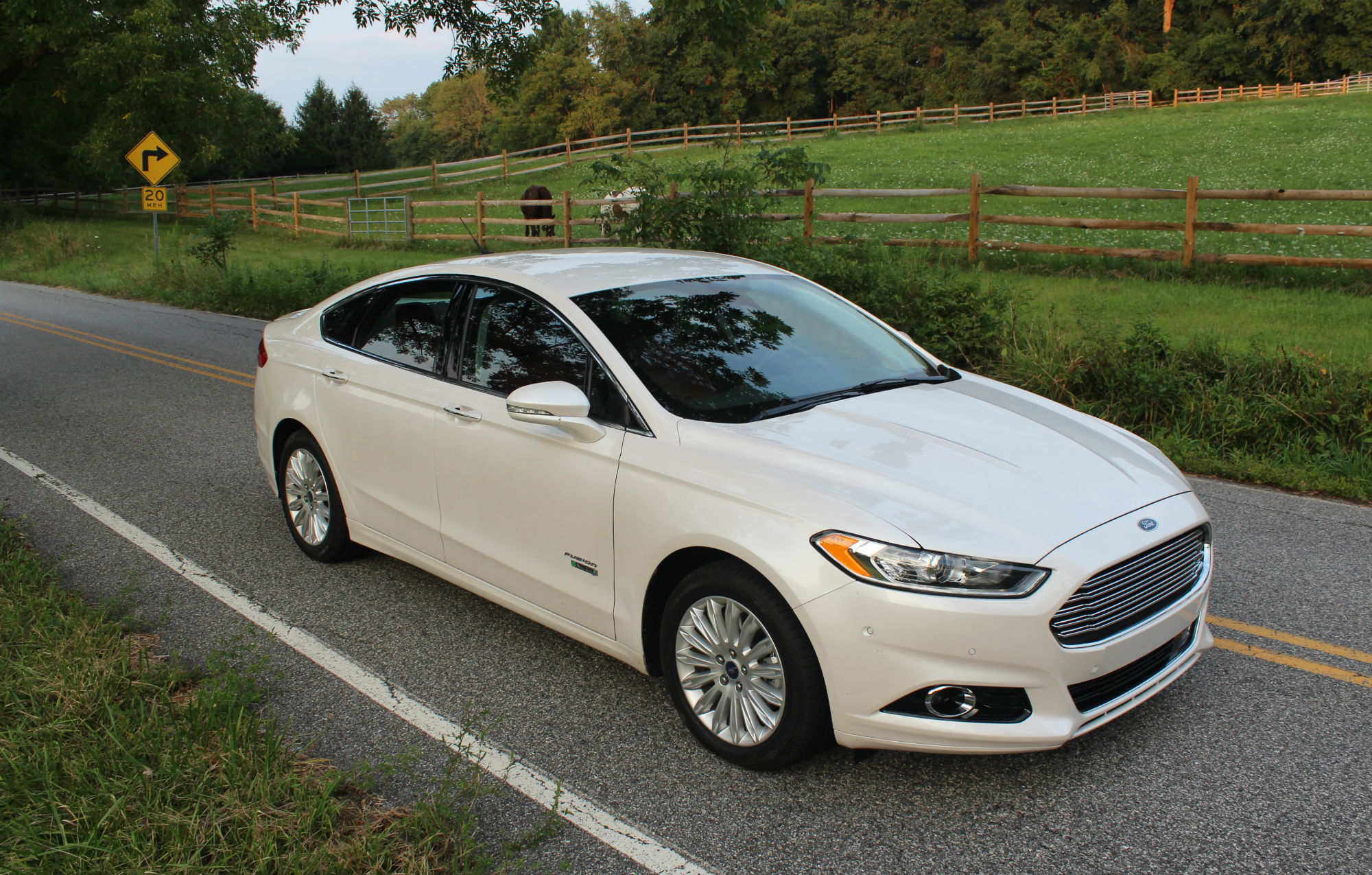 Drive Review 2015 Ford Fusion Energi Gm Volt Chevy