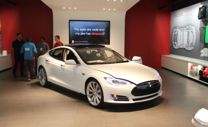 10 reasons why Tesla has chosen its factory direct model - GM-VOLT : Chevy Volt Electric Car ...