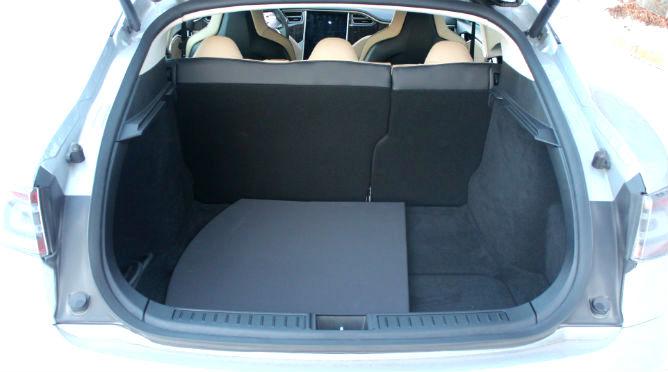 Model_S_rear_trunk1