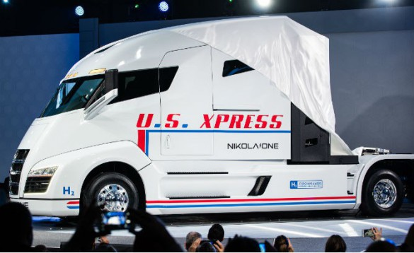 Nikola Motors Debuts Hydrogen-Electric Semi-T…