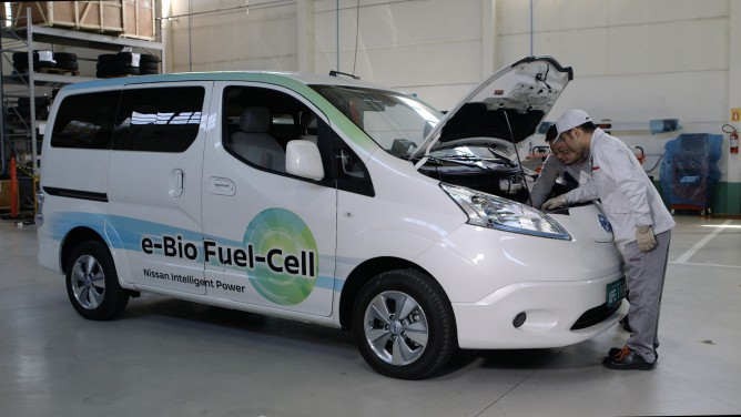 Nissan_e_Bio_Fuel_Cell_Prototype_Vehicle_012-668x376