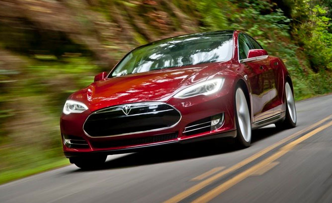 Tesla-Model-S-Feature-1213
