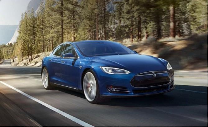 Tesla-Model-S-on-autobahn1-668x409