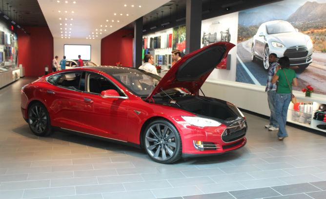 Watch the video that upset Edmunds' car deale…