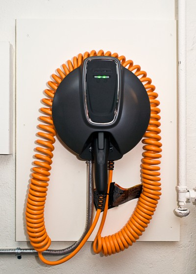 Ad Post Gm Has Announced A Partnership With Michigan Based Spx Service Solutions To And Install The 240 V Voltec Home Charging Station Made For