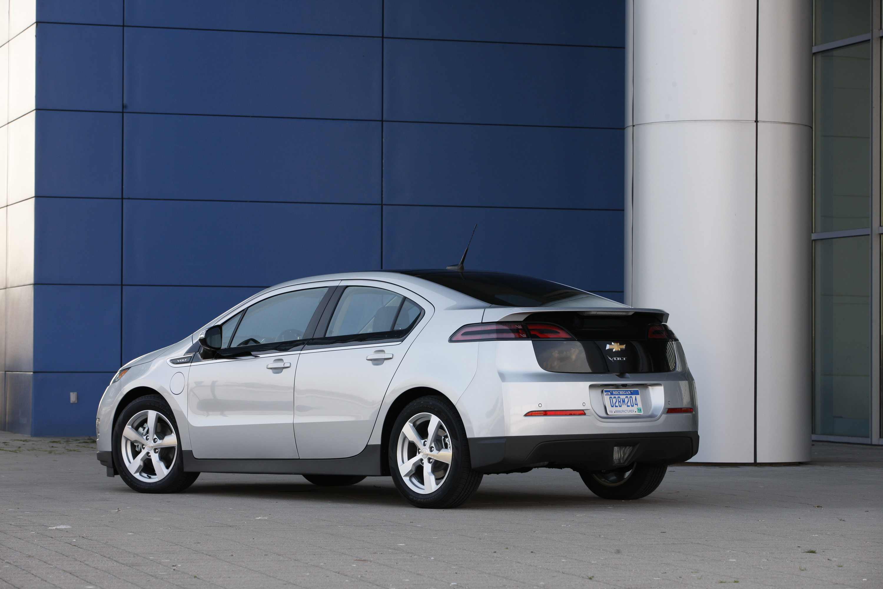 Gas Guzzlers Archives Gm Volt Chevy Electric Car Site A Market For Fuel